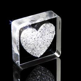 Decorative magnet 'Diamond Heart' with heart motif, made of plexiglass, with Swarovski crystals