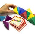 Composto da 24 tetraedri magnetici, con 20 cartoncini modello