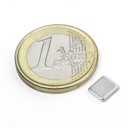 Q-07-06-1.2-N, Parallelepipedo magnetico 7 x 6 x 1,2 mm, neodimio, N50, nichelato