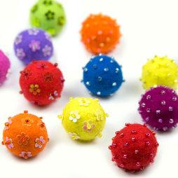 LIV-42, Adams, magneti decorativi in feltro, con perle di vetro, set da 3